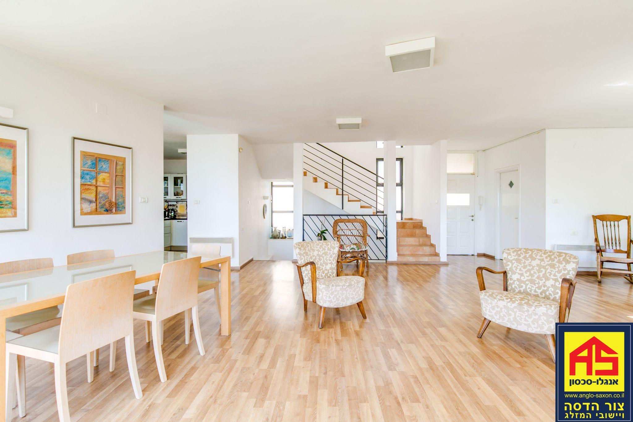 אדיר וילה 6 חדרים בשיטה, המאה, צור הדסה | לוח דירות למכירה - אנגלו סכסון TM-46