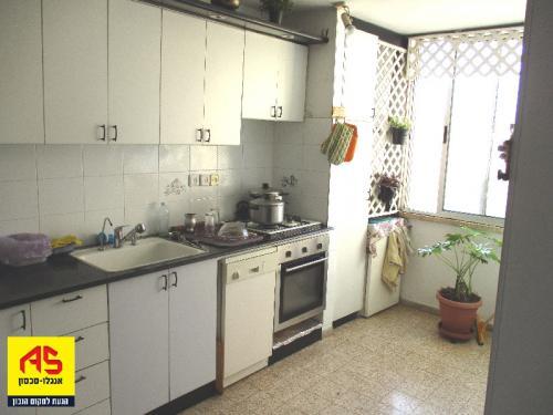 רק החוצה דירה 4 חדרים בשדרות גולדה מאיר, קרית נורדאו, נתניה | לוח דירות AL-84