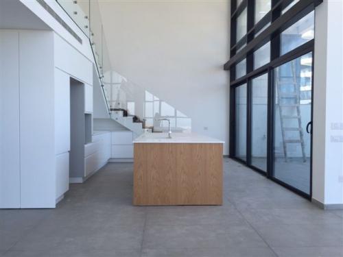 מרענן פנטהאוז 5 חדרים בעוזי חיטמן, עיר ימים, נתניה | לוח דירות למכירה LN-52