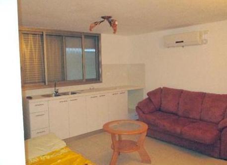 ניס יחידת דיור 2 חדרים ביצחק הנפח, נאות הרצל, נתניה   לוח דירות להשכרה DL-55