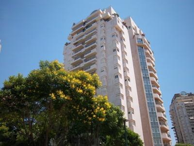 מודרניסטית דירה 5.5 חדרים בצמרות, צמרות, הרצליה | לוח דירות למכירה - אנגלו סכסון QU-15