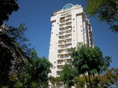 מקורי דירה 4.5 חדרים בצמרות, צמרות, הרצליה | לוח דירות למכירה - אנגלו סכסון AT-72