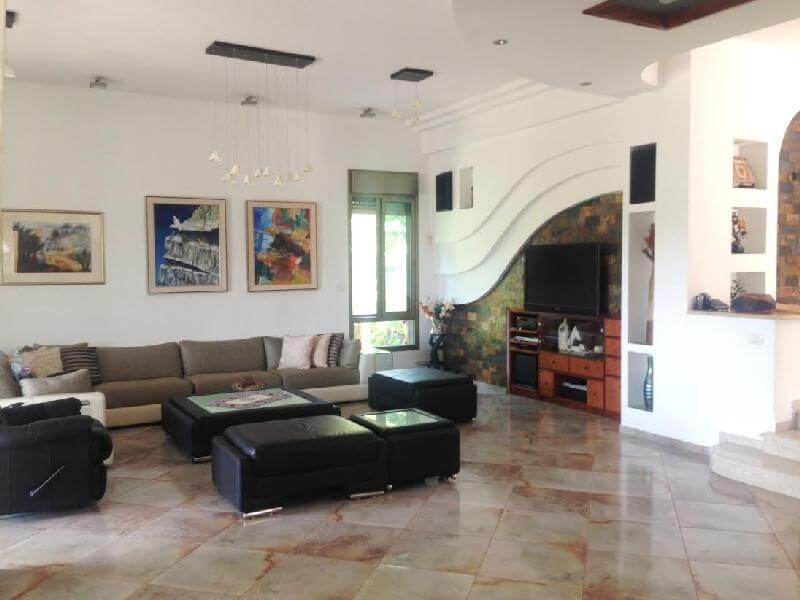להפליא בית 7 חדרים בבראק זורז, גבעת טל, קרית אתא   לוח דירות למכירה QF-99