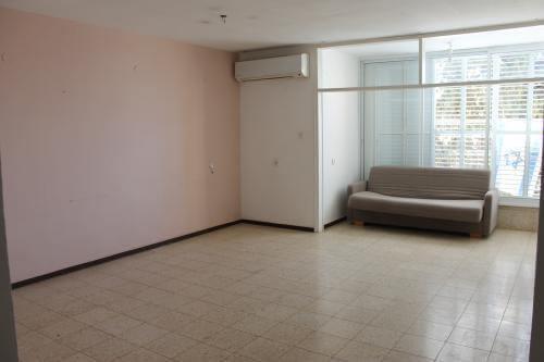 מגניב דירה 4 חדרים בבזל, שכונה א', באר שבע   לוח דירות להשכרה - אנגלו סכסון JV-68