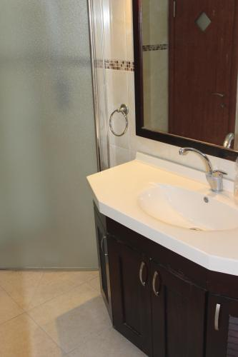 מתוחכם דירה 4 חדרים במוריה, שכונה ב', באר שבע   לוח דירות למכירה - אנגלו GG-31