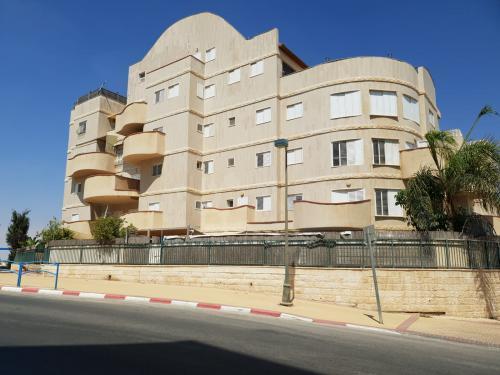 רק החוצה דירה 3 חדרים בפרופסור אברהם אמיר, רמות, באר שבע   לוח דירות להשכרה SA-97