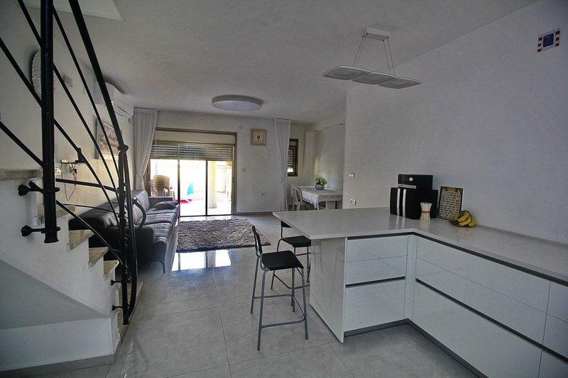 מדהים פנטהאוז 6 חדרים בקרית שרת מערב, חולון | לוח דירות למכירה - אנגלו סכסון YA-13